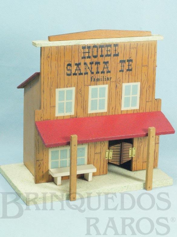 Brinquedo antigo Hotel Santa Fé com 23,00 cm de altura Década de 1960