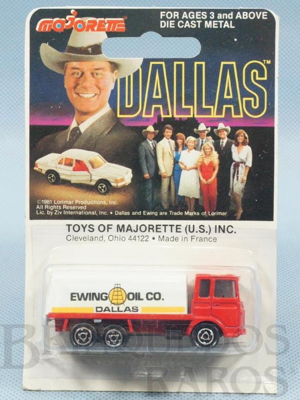 Brinquedo antigo Caminhão Tanque Camion Citerne Ewing Oil Co. Série Dallas Blister Lacrado Década de 1970