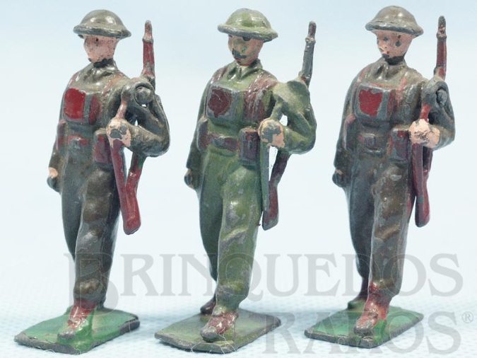 Brinquedo antigo Soldados Ingleses Segunda Guerra marchando com Fuzil preço por unidade