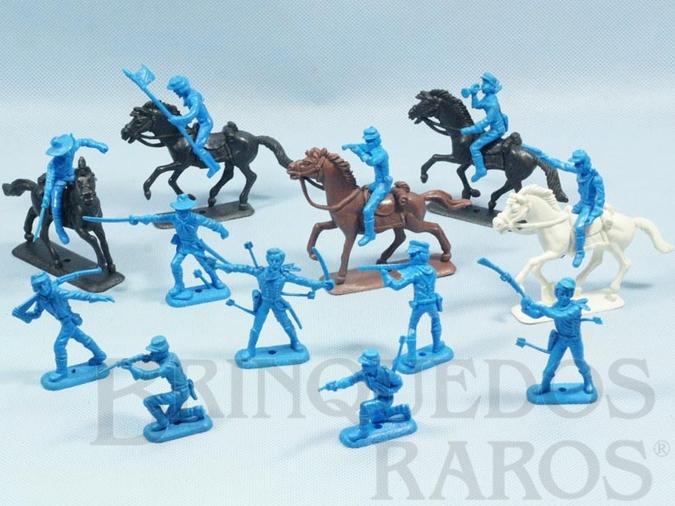 Brinquedo antigo Conjunto completo de 12 Soldados da Sétima Cavalaria e 5 cavalos Série Far-West Story Atlantic Ano 1987