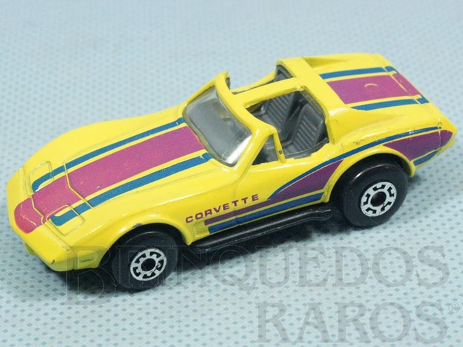 Brinquedo antigo Chevrolet Corvette T-Roof Superfast amarelo conversível