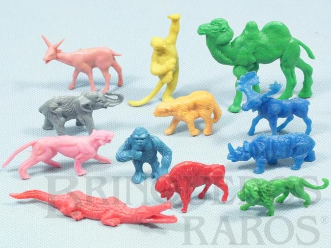 Brinquedo antigo Conjunto com 12 animais selvagens Década de 1970