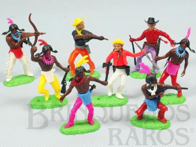 Brinquedo antigo Conjunto com 5 Índios e 3 Cowboys Década de 1970