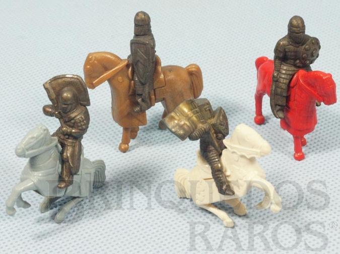 Brinquedo antigo Soldados Medievais a cavalo Kinder Ovo Preço por unidade