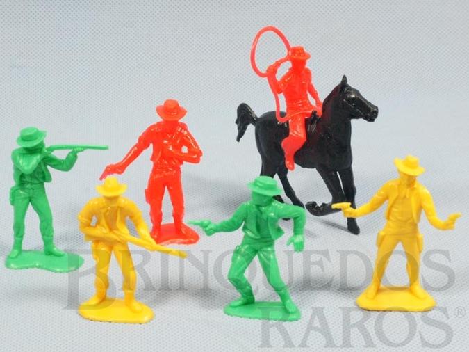Brinquedo antigo Conjunto completo Grand Canyon com 5 Cowboys a pé e um a cavalo Ano 1985