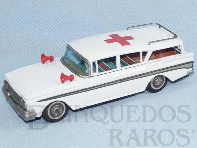 Brinquedo antigo Ambulância Ford Rambler com 29,00 cm de comprimento Década de 1960