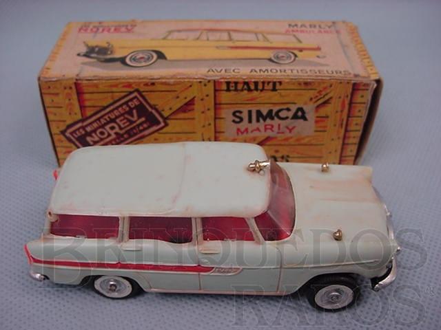 Brinquedo antigo Ambulância Perua Simca Marly Simca Jangada Década de 1960
