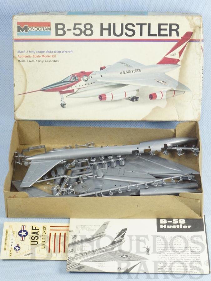 Brinquedo antigo Avião Convair B-58 Hustler Década de 1970