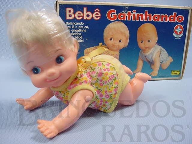 Brinquedo antigo Bebê Gatinhando Década de 1980