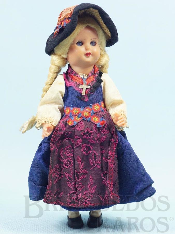 Brinquedo antigo Boneca com 23,00 cm de altura Traje típico Italiano Cabeça e corpo de plástico rígido Olhos de dormir Década de 1960