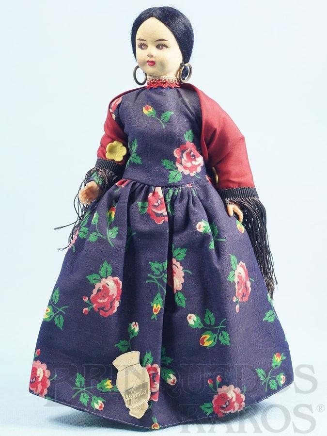 Brinquedo antigo Boneca com 24,00 cm de altura Traje típico da cidade de Veneza Itália rosto de massa e corpo de plástico Olhos pintados Década de 1960
