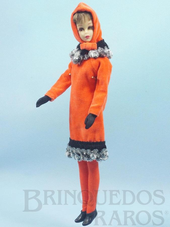 Brinquedo antigo Boneca Francie prima da Barbie vestindo o Conjunto Orange Cosy Anos 1966 e 1967 Para maiores informações sobre essa Boneca veja Coleções.