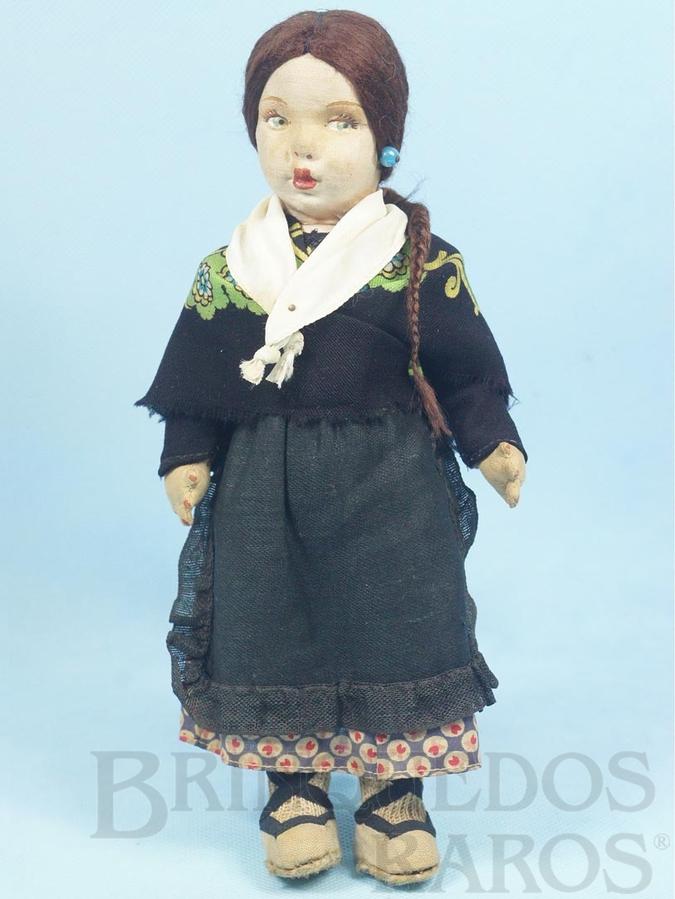 Brinquedo antigo Boneca com 25,00 cm de altura Rosto de tecido Cabelo natural Traje típico Espanhol Década de 1950