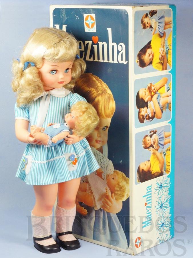 Brinquedo antigo Boneca Mãezinha Ternura e Encantamento completa com Bebê 55,00 cm de altura Perfeito estado 100% original ainda com Proteção de celofane nos cabelos Ano 1976