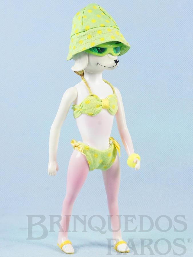 Brinquedo antigo Boneca Peteena com 23,00 cm de altura vestindo o Conjunto de praia Surf`s Up com 6 itens Ano 1966. Para maiores informações sobre essa Boneca veja Coleções.