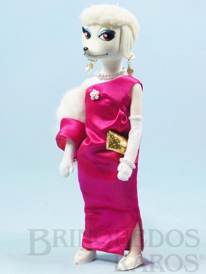Brinquedo antigo Boneca Peteena com 23,00 cm de altura vestindo o Conjunto Ooh La La para sair à noite com 9 itens Ano 1966. Para maiores informações sobre essa Boneca veja Coleções.