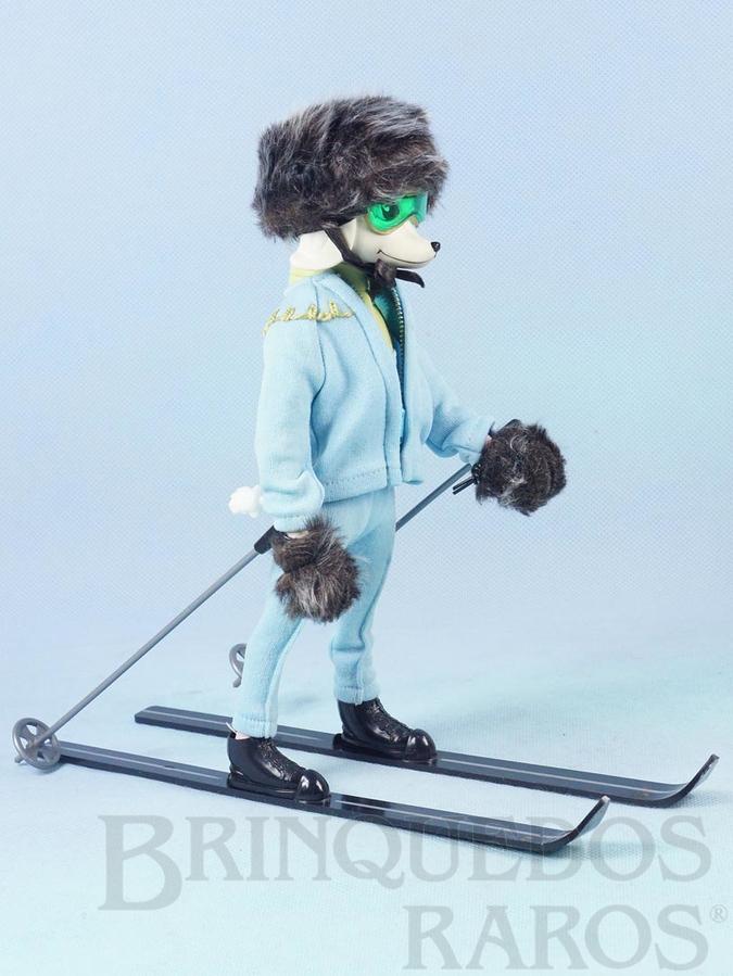 Brinquedo antigo Boneca Peteena com 23,00 cm de altura vestindo o Conjunto ZeroCool para esquiar com 9 itens Ano 1966. Para maiores informações sobre essa Boneca veja Coleções.