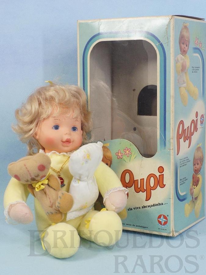 Brinquedo antigo Boneca Pupi com 37,00 cm de altura 100% original Perfeito estado Cabeça de Vinil corpo de tecido Acompanha Ursinho e Travesseiro Cabelos de Nylon e Olhos pintados Ano 1979