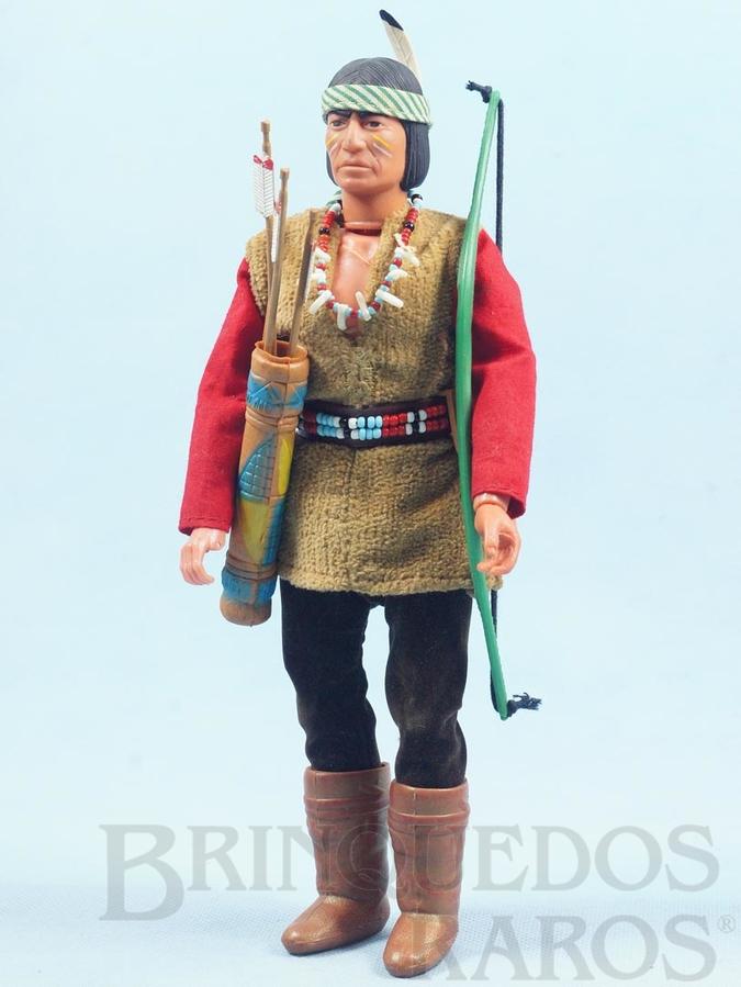 Brinquedo antigo Boneco Índio Apache Red Sleeve Série Lone Ranger  com 25,00 cm de altura Roupas de tecido Ano 1975