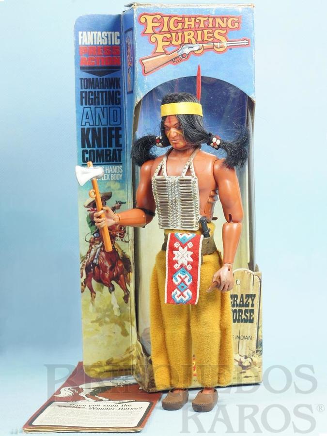 Brinquedo antigo Boneco Índio Crazy Horse Série Fighting Furies com 20,00 cm de altura Roupas de tecido Década de 1970