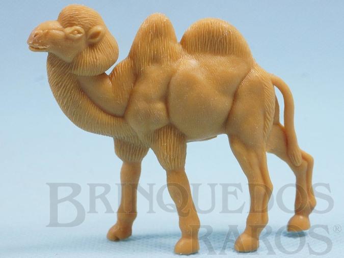 Brinquedo antigo Camelo de plástico laranja Série Zoológico Década de 1970
