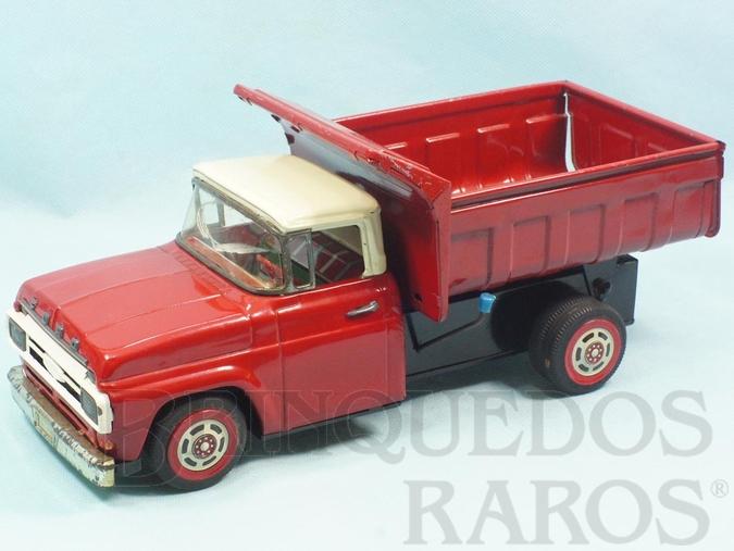 Brinquedo antigo Caminhão Basculante Ford F-600 com 31,00 cm de comprimento Coleção Carlos Augusto Década de 1960