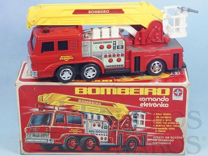 Brinquedo antigo Caminhão de Bombeiro Comando Eletrônico Anos 1978 a 1985
