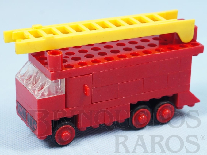Brinquedo antigo Caminhão escada de Bombeiro com 11 cm de comprimento Sistema Polly Ano 1971