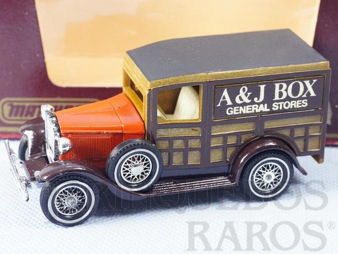 Brinquedo antigo Caminhonete 1930 Ford Model A Yesteryear A&J Box Década de 1980