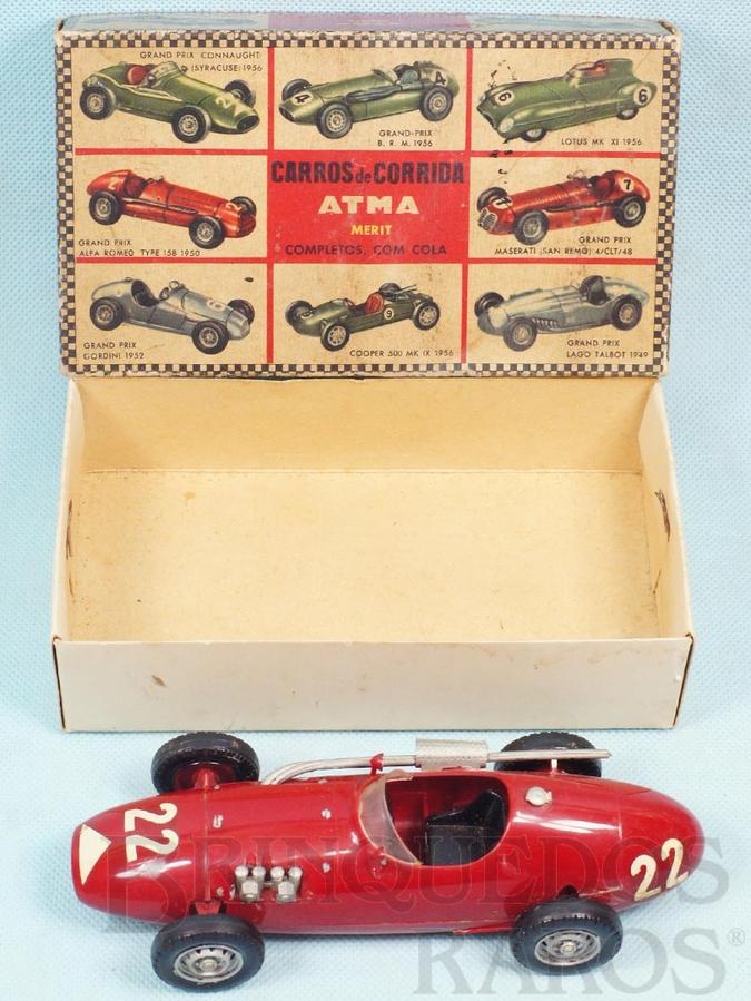 Brinquedo antigo Carro de corrida Connaught com 17,00 cm de comprimento Caixa Original em bom estado Kit montado Década de 1960