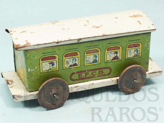 Brinquedo antigo Carro de Passageiros Verde Estrada de Ferro Central do Brasil com 14,00 cm de comprimento Ano 1937