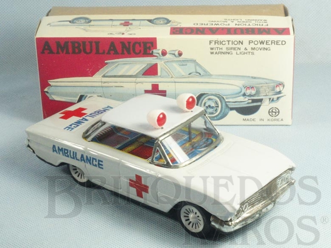 Brinquedo antigo Carro Sedan Ambulância com 18,00 cm de comprimento Década de 1970