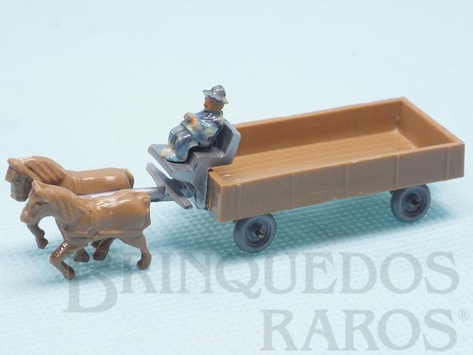 Brinquedo antigo Carroça com dois Cavalos e Cocheiro em plástico marmorizado Década de 1950