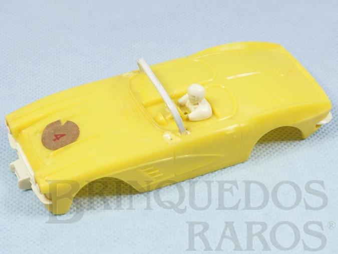 Brinquedo antigo Carroceria Corvette amarela licença Gilbert Co. Nunca usada Estoque Original de Fábrica Faltam os Espelhos retrovisores Ano 1963
