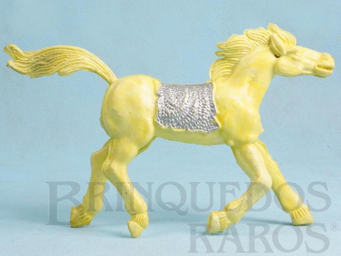 Brinquedo antigo Cavalo índio amarelo com 10,00 cm de altura Década de 1970