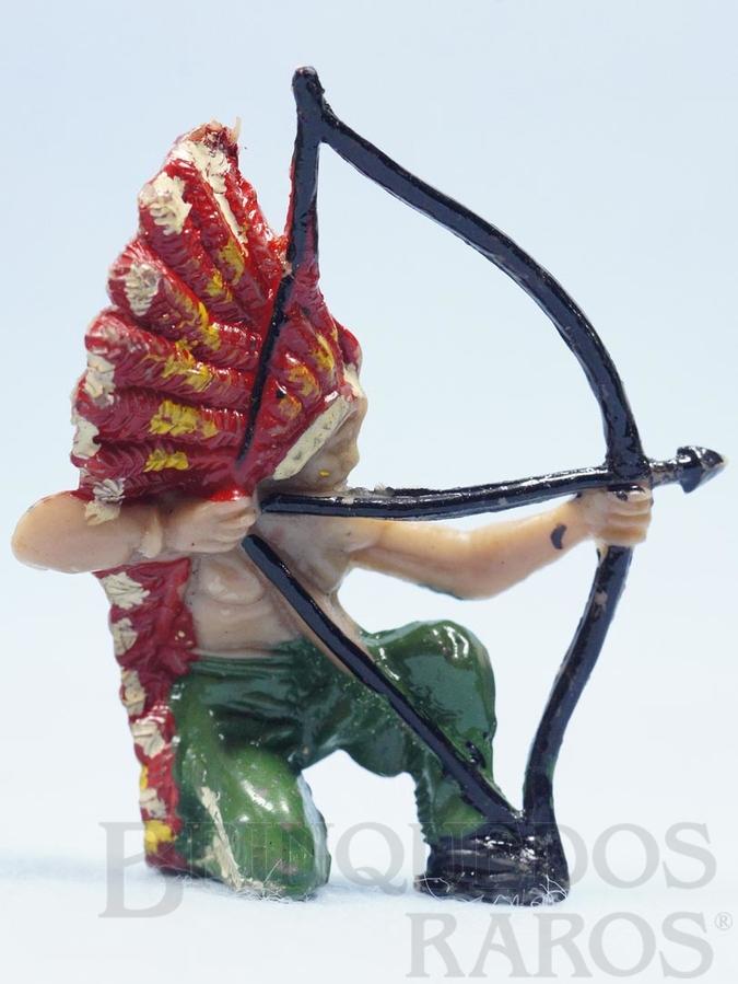 Brinquedo antigo Chefe índio ajoelhado atirando com arco Chefe Flexa Certeira Numerado 133 Década de 1960 RESERVED***GB***