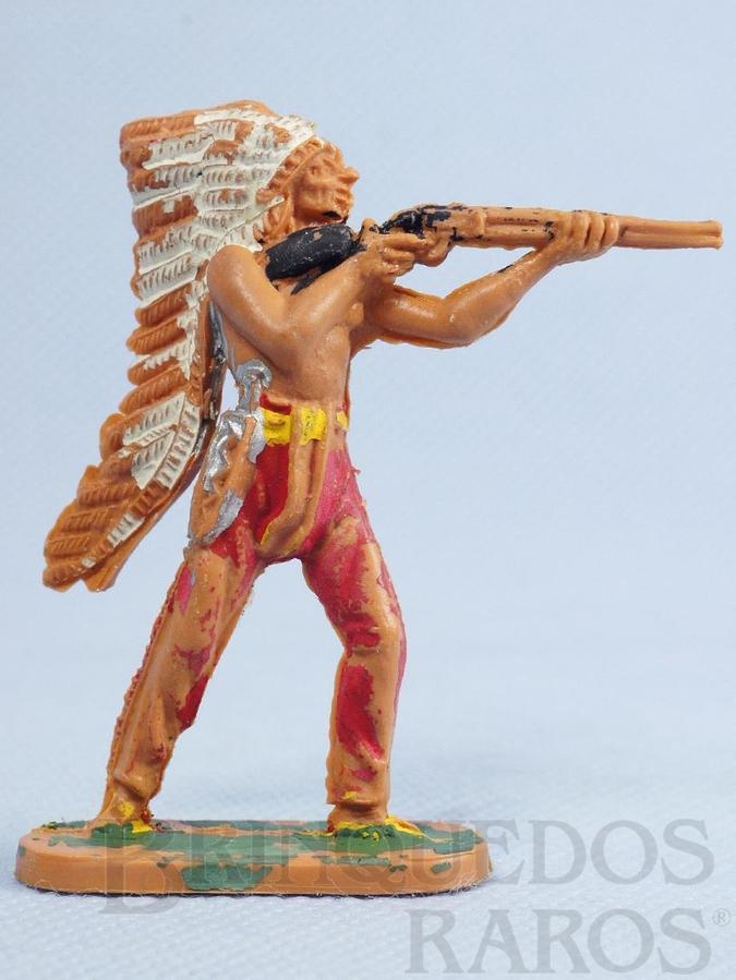 Brinquedo antigo Chefe índio de pé atirando com rifle