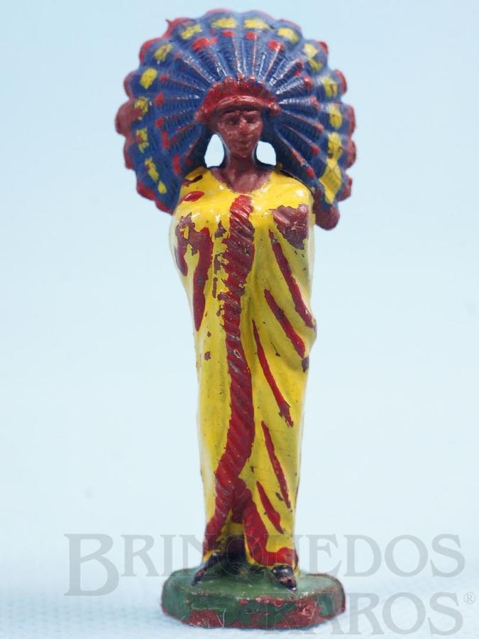 Brinquedo antigo Chefe índio de pé com braços cruzados