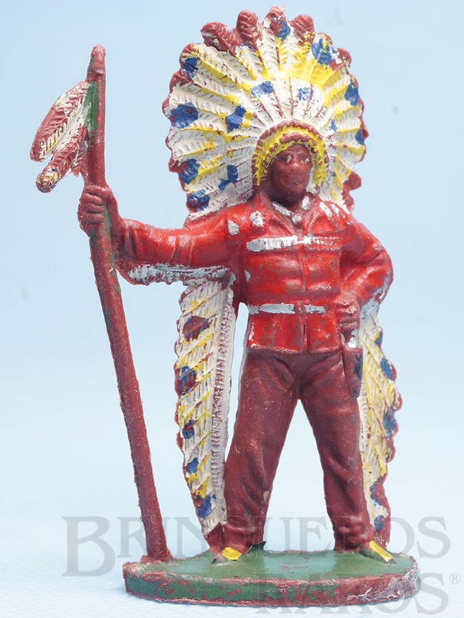 Brinquedo antigo Chefe índio de pé com Lança Década de 1960