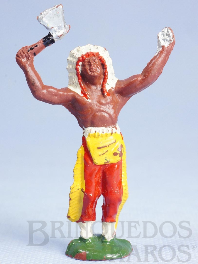 Brinquedo antigo Chefe índio de pé com machado
