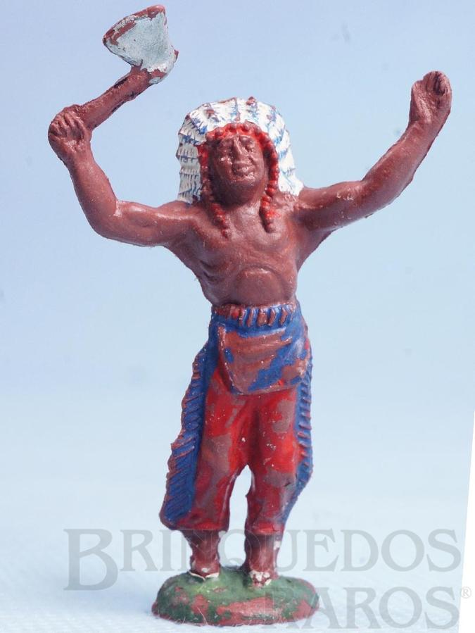 Brinquedo antigo Chefe índio de pé com machado Casablanca Década de 1960