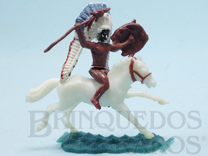 Brinquedo antigo Chefe Índio montado a cavalo com lança e escudo cópia Timpo Toys Década de 1970