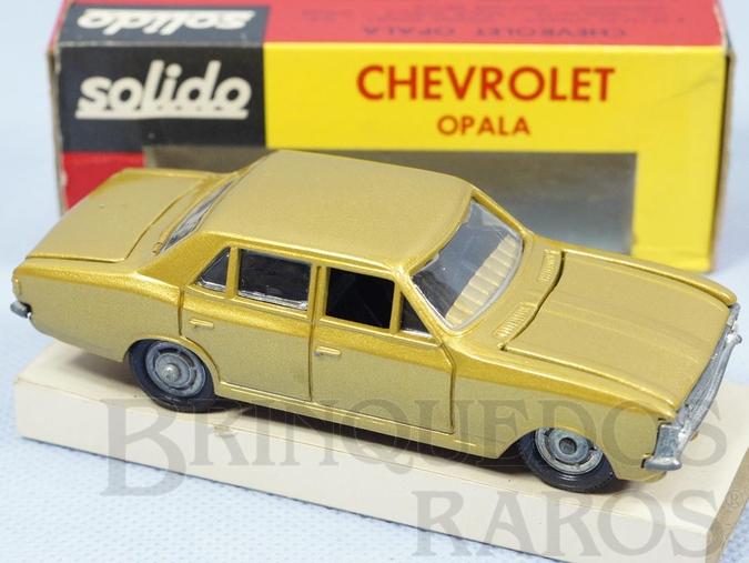 Brinquedo antigo Chevrolet Opala dourado Fabricado pela Brosol Un Solido fait seulement au Brésil Solido brésilienne Década de 1970