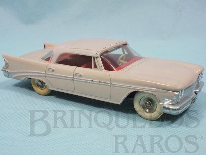 Brinquedo antigo Chrysler Saratoga 1961