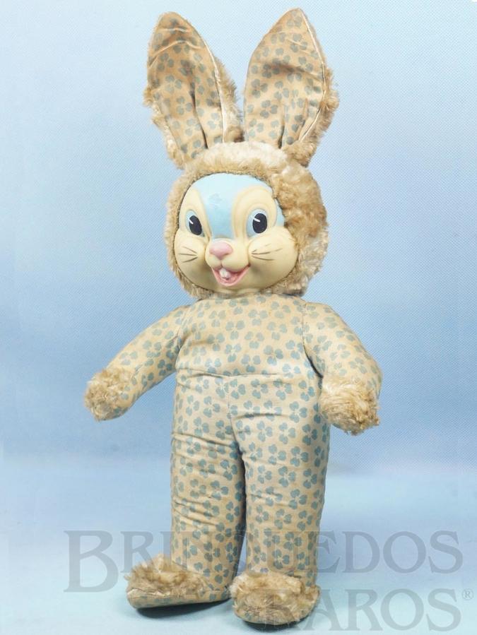 Brinquedo antigo Coelho com 42,00 cm de altura Rosto de Vinil e Corpo em tecido com detalhes em astracam  Ano 1962