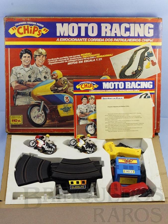 Brinquedo antigo Conjunto Chips Moto Racing A Emocionante Corrida dos Patrulheiros com pista oval e duas Motocicletas Completo Perfeito estado Década de 1970