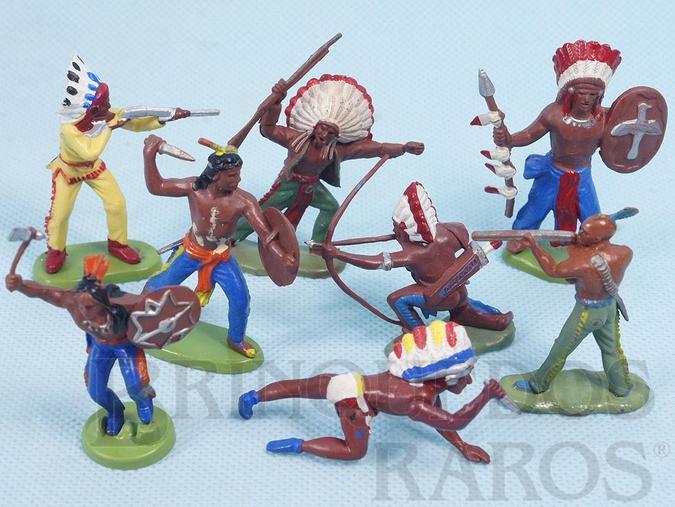 Brinquedo antigo Conjunto com 8 índios em diversas poses diferentes Década de 1970