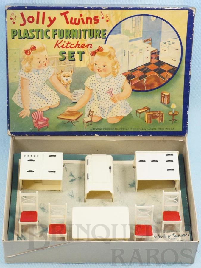 Brinquedo antigo Conjunto com 8 peças de móveis de Cozinha de Casa de Bonecas Jolly Twins Plastic Furniture Set Década de 1950