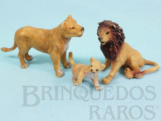 Brinquedo antigo Conjunto com Leão Leoa e Filhote Década de 1970