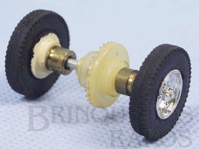 Brinquedo antigo Conjunto completo traseiro de eixo rodas pneus buchas e coroa para carros Berlineta Jaguar e Corvette 1:32 com chassi de plástico Década de 1960